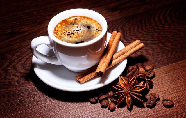 Czy kawa w domu może być tak samo dobra jak w kawiarni?