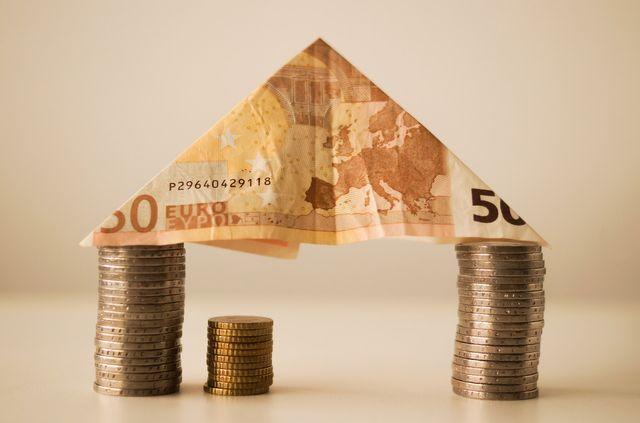Jak korzystnie wymieniać waluty?