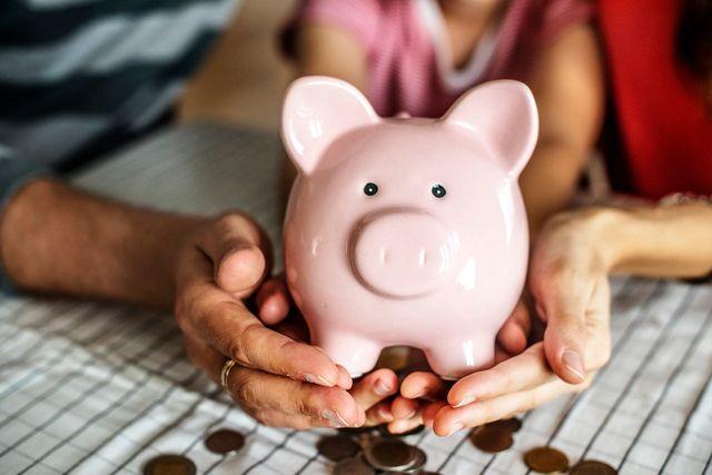 Jak uczyć dzieci oszczędzania?